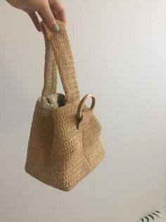 Bubble Basket Bag # 쥬 바인 Bubble en tissu facile Diy Fabric Purses, Diy Bags Purses, Crochet Handbags, Crochet Purses, Japanese Knot Bag, Potli Bags, Net Bag, Diy Handbag, Macrame Bag