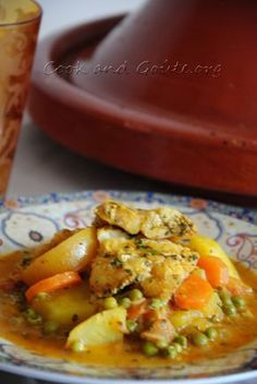 Fish tajine with vegetables and candied lemon - rachida - - Tajine de poisson aux légumes et citron confit Fish tajine with vegetables and candied lemon Best Dinner Recipes, Lunch Recipes, Seafood Recipes, Tagine, Easy Vegetarian Lunch, Healthy Crockpot Recipes, Food And Drink, Cooking, Ethnic Recipes