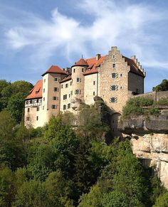 Burg Rabenstein (Rabenstein Castle), Ahorntal, Upper Franconian county of Bayreuth in the state of Bavaria, Germany... www.castlesandmanorhouses.com ... Rabenstein Castle is a former high medieval aristocratic spur castle built between 1175 and 1200.