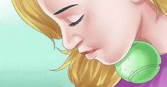 Ako sa zbaviť dvojitej brady iba s pomocou tenisovej loptičky