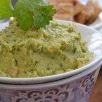 Így készíts avokádó humuszt, hogy az ízére, állagára, de még a benne rejlő kalóriákra se legyen panaszod! Guacamole, Mexican, Ethnic Recipes, Food, Eten, Meals, Diet