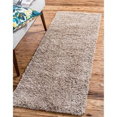 Unique Loom Solid Shag Area Rug - On Sale - Overstock - 21118644 Solid Rugs, Buy Rugs, Modern Rustic Interiors, Online Home Decor Stores, Beige Area Rugs, Runes, Shag Rug, Rug Runner, Rug Size