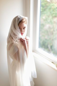 Spanish wedding veil | Blue Rose Photography | see more on http://burnettsboards.com/2014/02/spanish-style-bridal-inspiration/