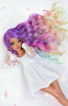 Tão linda esta boneca!