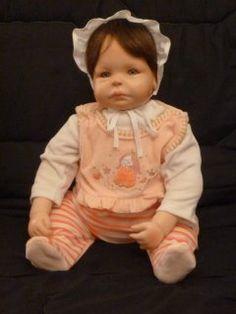 Neue Leserfragen zu Puppen für Sammler sind nun online unter: http://sammler.com/spielzeug/puppen.htm#Leserbriefe