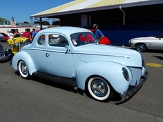 1939 Ford 2-door coupe