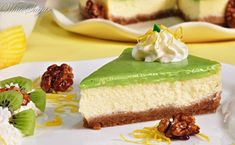Recept: Yoghurttaart met kiwi-lemoncurd – Womanistical Kiwi, Cake Recept, Chutney, Vanilla Cake, Cheesecake, Baking, Desserts, Recipes, Drinks