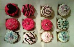 Cupcakes for bachelorette party, bad picture! (2011)