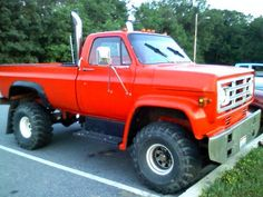 ideas for trucks Old Dodge Trucks, Custom Chevy Trucks, Gm Trucks, Chevrolet Trucks, Lifted Trucks, Cool Trucks, Pickup Trucks, Gmc Suv, Tow Truck