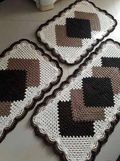 Home Decor - -Crochet Scarf Granny Square Table Runners 51 Super Ideas crochet Crochet Animal Amigurumi, Crochet Mittens, Crochet Hats, Crochet Baby Boy Hat, Crochet Carpet, Crochet T Shirts, Crochet Table Runner, Crochet Kitchen, Crochet Doilies