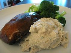 "Raw ""Meat and Potatoes"" (aka, Marinated Portobello Cap and Cauliflower-Cashew Mash)"