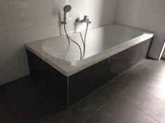 Die #Badewanne Wurde Mit Der Schieferfarbigen #Bodenfliese Eingefliest # Fliesen #fliesenauswahl #badezimmer #bath #tiles #tegel #schiefer #badkamer  ...