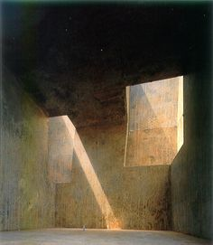 Mock up drawing of Eduardo Chillida's Cavern on Mount Tindaya, Fuerteventura, Canary Islands Concrete Architecture, Space Architecture, Minimal Architecture, Luigi Snozzi, Light And Space, Brutalist, Kirchen, Light And Shadow, Oeuvre D'art
