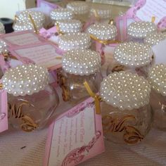 Cute idea for favors! Mason Jar Crafts, Mason Jars, Bottles And Jars, Vintage Roses, Party Favors, Wedding Gifts, Diy And Crafts, Wedding Decorations, Ball Decorations