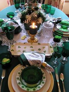 Saint Patricks Day Tablescape!!! Bebe'CTBelle!!! What a pretty, Luncheon At the Junction!!!