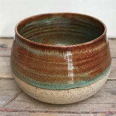 pottery glazes Amaco potters choice art deco green over albany slip brown. Ceramic Glaze Recipes, Glazed Ceramic, Ceramic Mugs, Ceramic Pottery, Pottery Art, Pottery Painting, Pottery Designs, Pottery Ideas, Ceramic Bowls