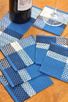 [リネン&コットン コースター in blue ]主にブルー系リネン&コットン糸を使用した手織りコースターです。リネンのシャリ感とコットンの柔らかさがプラスし... ハンドメイド、手作り、手仕事品の通販・販売・購入ならCreema。