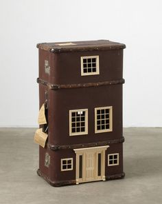 Georgeous!!! Suitcases turned into miniature homes - Recyclart