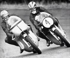 Mike Hailwood and Phil Read Racing Motorcycles, Motorcycle Racers, Motorcycle Garage, Racing Events, Dirtbikes, Moto Guzzi, Car Humor, Road Racing, Vintage Racing