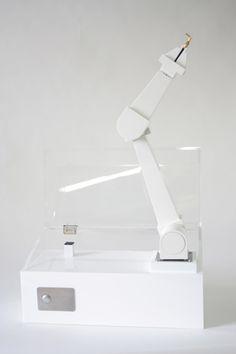 Atelier Ted Noten for Laikingland / lady killer jewellery box