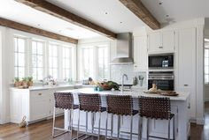 Shelter Island Beach House - traditional - kitchen - new york - Wettling Architects