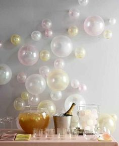 Love this wall decor using balloons!