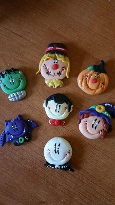 Piezas de Halloween para convertirlos en llaveros, broches o para pegarlos donde quieras Sugar, Cookies, Halloween, Desserts, Cold, Cold Porcelain, Key Fobs, Crack Crackers, Tailgate Desserts