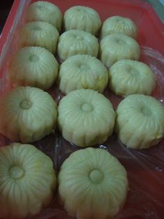 Soft and Creamy Durian Mooncake....