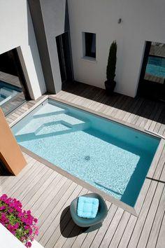 amenager-piscine-dans-un-petit-espace-appartement-duplex-toit-terrasse-bois-exterieur