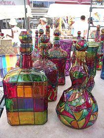 Painted Glass Bottles, Glass Bottle Crafts, Stained Glass Crafts, Bottle Art, Glass Painting Patterns, Glass Painting Designs, Bottle Painting, Diy Painting, Ceramic Furniture