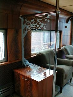 Carved glass panels used to separate seating areas in a personal railroad car. Train Trip, Train Car, Train Tracks, Wagon Cars, Car Restoration, Orient Express, Seating Areas, Unique Architecture