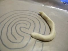 how to draw a simple labyrinth