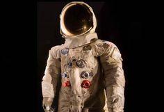 #RebootTheSuit Piden 500 mil dólares para restaurar traje de Neil Armstrong.