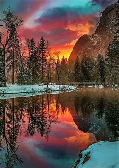 Sunset in Meadows Edge - Yosemite National Park in western Sierra Nevada of Central California - USA Beautiful Sunset, Beautiful World, Beautiful Places, All Nature, Amazing Nature, Landscape Photography, Nature Photography, Winter Scenery, Winter Sunset