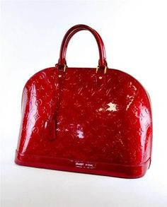 Guaranteed authentic Louis Vuitton Totes up to off. Tradesy is trusted for authentic new and pre-owned Louis Vuitton with Safe shipping and easy returns. Louis Vuitton Alma, Louis Vuitton Taschen, Louis Vuitton Handbags, Louis Vuitton Speedy Bag, Louis Vuitton Monogram, Trend Fashion, Look Fashion, Fashion Rings, Replica Handbags