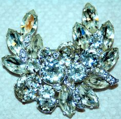 VINTAGE EISENBERG ICE CLEAR RHINESTONE BROOCH/PIN IN 3 DIMENSIONAL WREATH DESIGN  #jewelry #vintage #designer