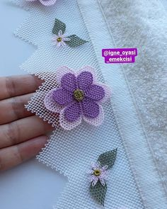 Brazilian Embroidery, Brooch, Crochet, Lace, Floral, Flowers, Stuff To Buy, Jewelry, Fashion