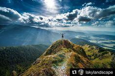 Milujem Slovenskóóó  #praveslovenske od @lakylandscape  pohľad na Oravu z Roháčov :) ... Western Tatras Slovakia  #rohace #slovensko #slovakia #mountains #nature #landscape #tatramountains #hills #trees #forest #clouds #bluesky #sky #adventure