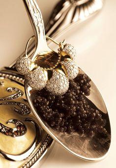 Just a spoon #luxury #gold #precious #stones #spoon #caviar #creativeacademy