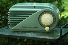 Bakelite radios are purty.