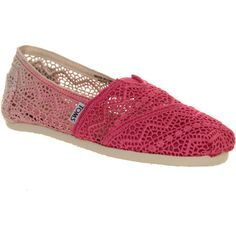 Toms Seasonal Classic Slip On ($29) ❤ liked on Polyvore featuring shoes, flats, toms, fuschia dip dye crochet, women, crochet espadrille flats, crochet shoes, slip on flats, elastic flats and crochet espadrilles