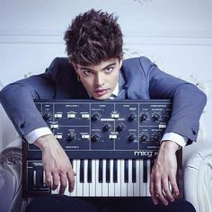 Voglio rinascere Moog! My #King Stash Fiordispino #TheKolors #beautiful #perfection #moog by lightblueyes