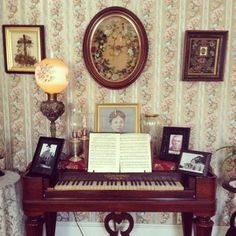 Inside the Lizzie Borden house | Yelp