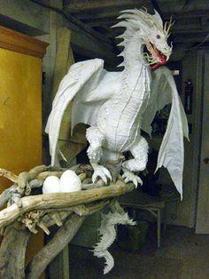 ¿Cómo hacer un dragón por Gourmet Papel Mache? por Dan Reeder