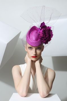Philip Treacy . To see the source оf this item click on the picture. Please also visit my Etsy shop LarisaBоutique: https://www.etsy.com/shop/LarisaBoutique Thanks!