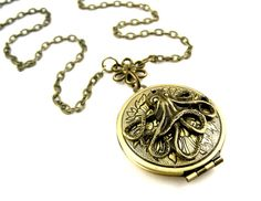 Cephalopod Locket Pendant  Edwardian Photo Locket by SteamSect, $32.00 Photo Tent, Octopus Jewelry, Steampunk Octopus, Gifts For Her, Great Gifts, Picture Engraving, Wedding Gifts For Bridesmaids, Necklace Lengths, Valentine Gifts