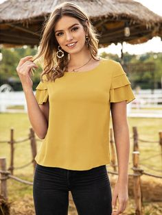 Stylish Dresses For Girls, Girls Dresses, Summer Blouses, Top Pattern, Blouse Designs, Womens Fashion, Sleeves, Outfits, Manga
