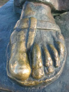 Grgur Ninski statue_ Ivan Mestrovic Modern Sculpture, Bronze Sculpture, Ivan Mestrovic, Slovenia, Homeland, Nasa, Statues, Finger, Sculptures