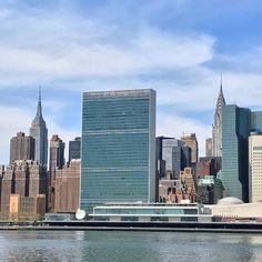 #FidgetSpinner #NewYorkCity #Manhattan #EastRiver #EmpireStateBuilding #ChryslerBuilding #UnitedNations #BriceDailyPhoto