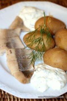 Aringhe affumicate e patate con crema all'aneto